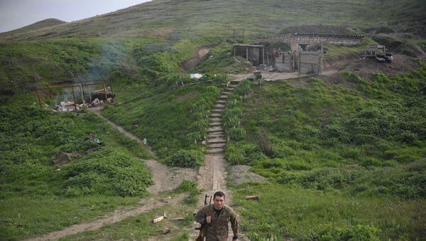 Карабахская армия на передовых позициях у линии разграничения в Нагорном Карабахе. Архивное фото
