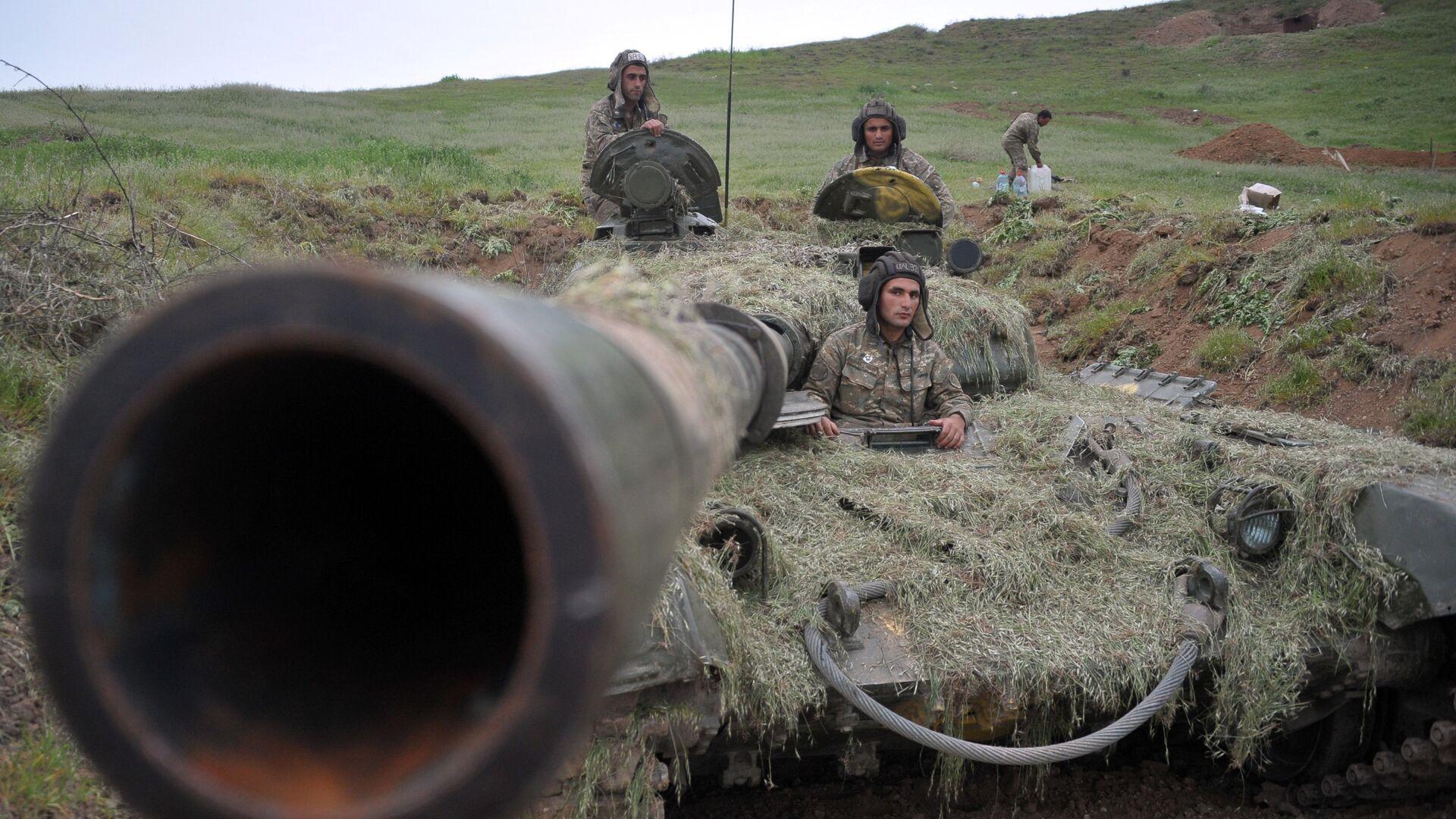 Военнослужащие армии обороны Нагорного Карабаха на первой линии обороны - РИА Новости, 1920, 21.10.2020