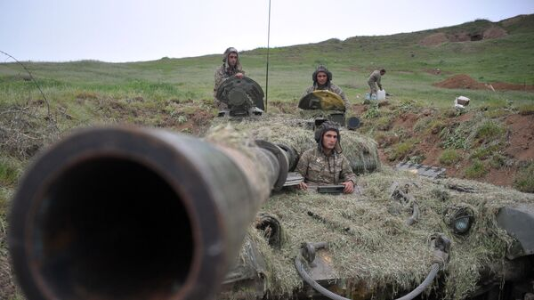 Военнослужащие армии обороны Нагорного Карабаха на первой линии обороны. Архивное фото
