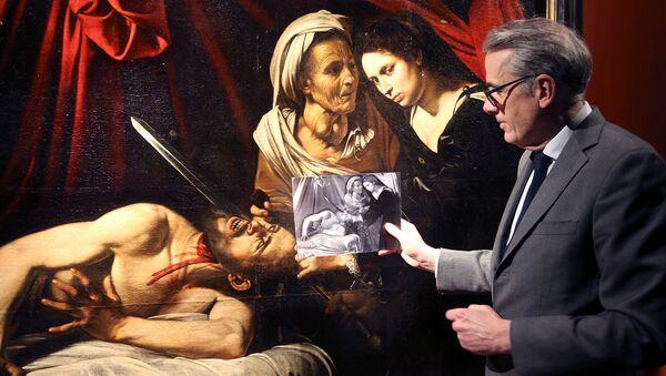 Полотно с библейской сценой, на которой Юдифь отрезает голову ассирийскому генералу Олоферну предположительно кисти Микеланджело Меризи да Караваджо. Париж, Апрель 2016