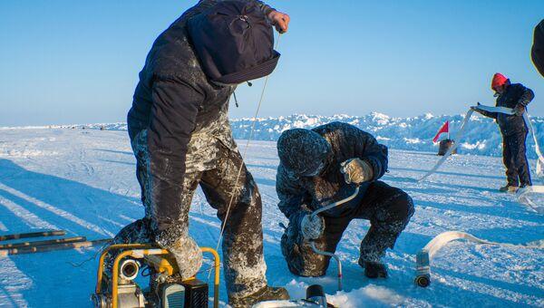 Дрейфующий ледовый лагерь Барнео в Арктике
