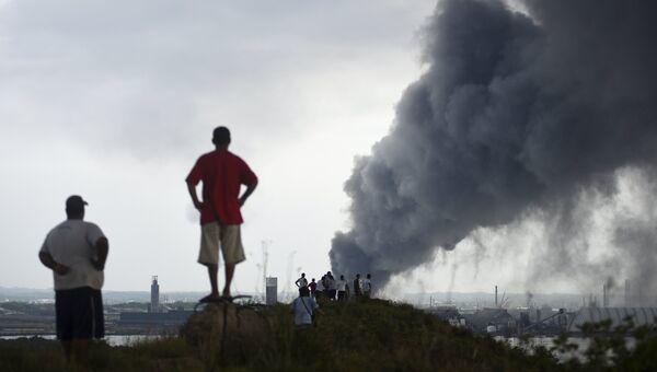 Пожар на заводе нефтяной компании Pemex в городе Коатсакоалькос, Мексика