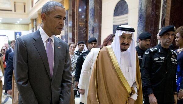 Президент США Барак Обама и король Сальман ибн Абдель-Азиз ас-Сауд во время встречи в Саудовской Аравии. 20 апреля 2016