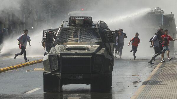 Столкновения в Сантьяго, Чили