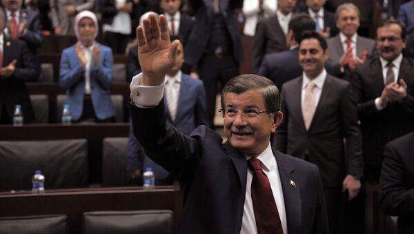 Премьер-министр Турции Ахмет Давутоглу в парламенте Анкары. 3 мая 2016