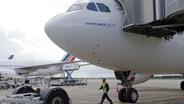 Самолет авиакомпании Air France в аэропорту Руасси Шарль-де-Голль. Архивное фото