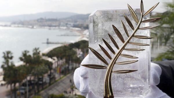 Золотая пальмовая ветвь (Palme d'Or) -  главная премия Каннского кинофестиваля