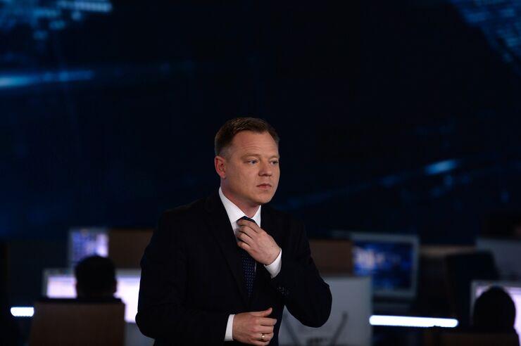 Евгений Рожков в павильоне первой студии программы Вести