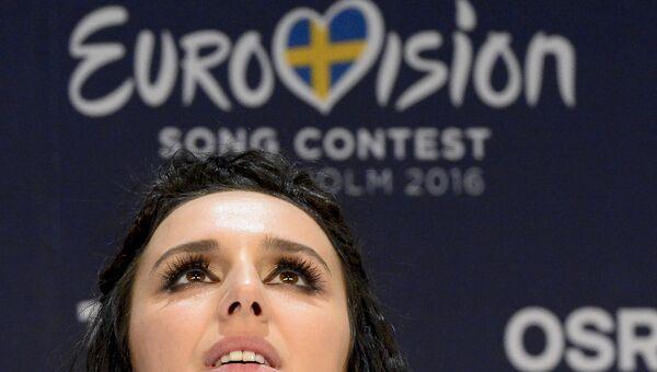 Джамала (Украина), победившая в финале международного конкурса Евровидение-2016 во время пресс-конференции
