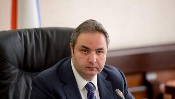 Заместитель министра промышленности и торговли РФ Георгий Каламанов. Архивное фото