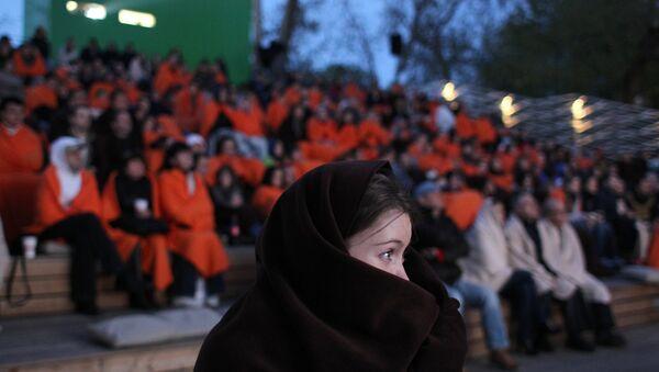 Зрители в кинотеатре Пионер в Парке Горького. Архивное фото