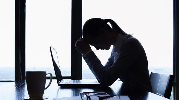Женщина, переживающая стресс