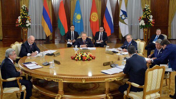 Заседание в Астане Высшего Евразийского экономического совета на уровне глав государств в узком составе