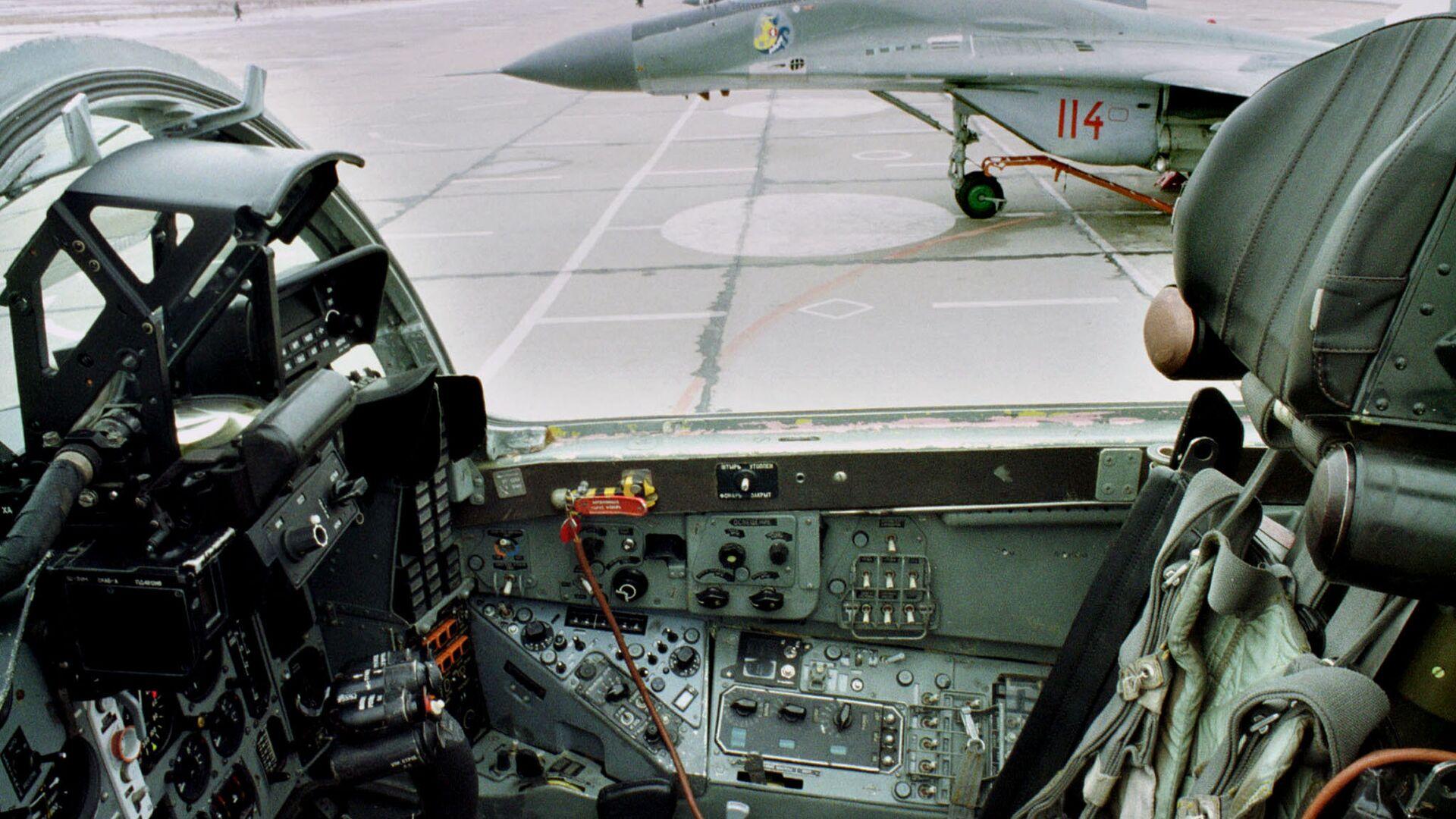 Истребители МиГ-29 ВВС Польше на аэродроме в Миньске-Мазовецком - РИА Новости, 1920, 08.06.2021