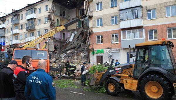 Обрушение подъезда пятиэтажного жилого дома в Междуреченске