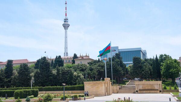 Телебашня и здание государственной телекомпании в Баку. Архивное фото