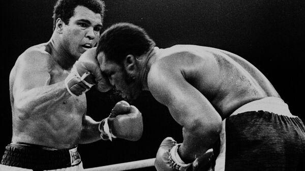 Бой между Мохаммедом Али и Джо Фрейзером в Маниле, Филиппины. 1 октября 1975. Архивное фото