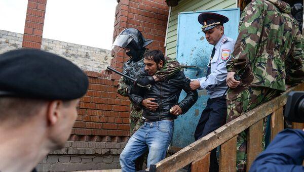 Задержание мужчины, который убил котенка во время сноса домов в поселке Плеханово Тульской области