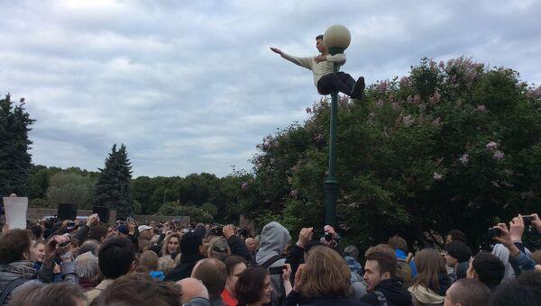 Митинг против переименования моста в Санкт-Петербурге в честь Ахмата Кадырова. 2 июня 2016 года.