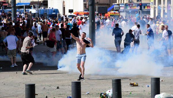 Беспорядки в Марселе перед матчем чемпионата Европы по футболу между Россией и Англией. Архивное фото