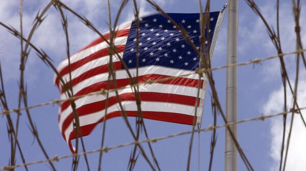 Флаг США над военной базой в Гуантанамо. Архивное фото