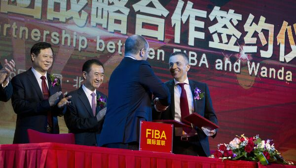 Церемония подписания соглашения о стратегическом партнерстве между FIBA и компанией Wanda Group. 16 июня 2016