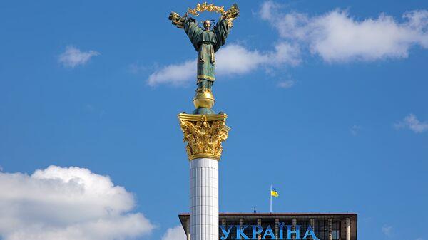 Монумент Независимости на Майдане Незалежности в Киеве, Украине