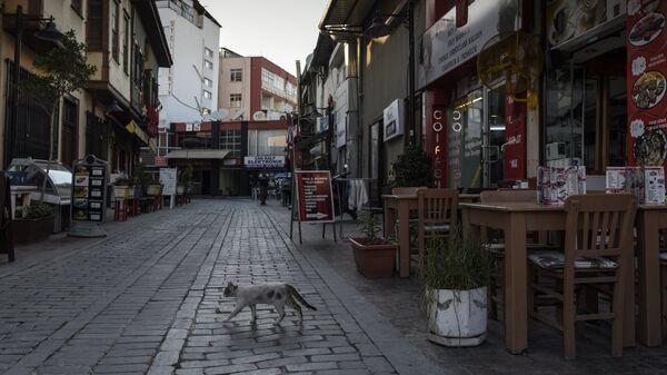 Кафе на одной из улиц в Анталье