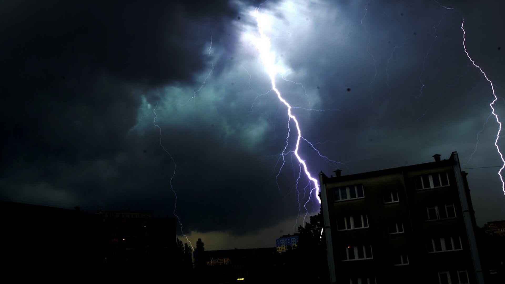 Более 20 населенных пунктов в Брянской области остались без электричества