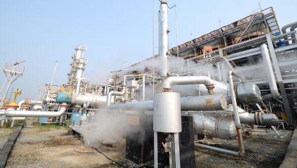 Газоперерабатывающий завод компании Лукойл в городе Лангепас
