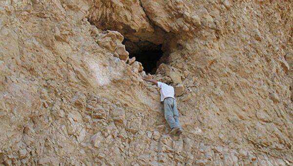 Пещера у Мертвого моря, где были найдены древнейшие зерна ячменя