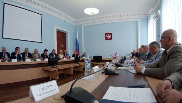 Прибытие делегации французских парламентариев в Севастополь. Архивное фото