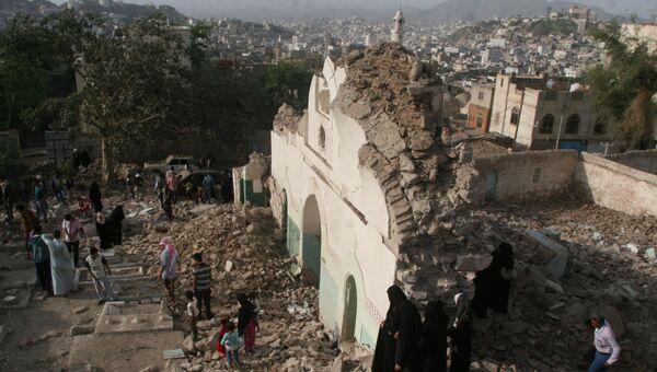 Разрушенная мечеть на юго-западе города Таиз в Йемене. Архивное фото