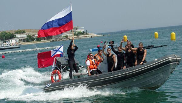 оссийская команда на международном конкурсе по водолазному многоборью Глубина-2016 в Севастополе. 2 августа 2016
