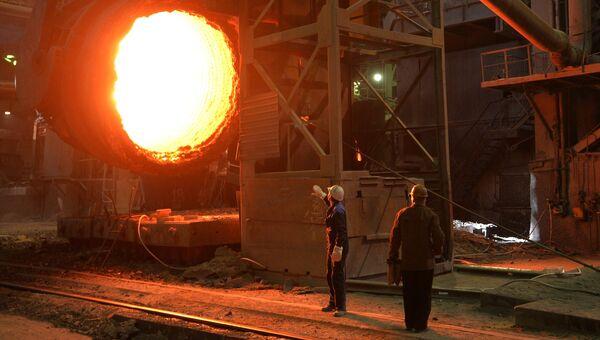 Рабочие металлургического комбината. Архивное фото