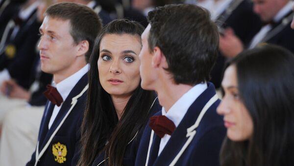Двукратная олимпийская чемпионка Елена Исинбаева и чемпион мира Сергей Шубенков. Архивное фото