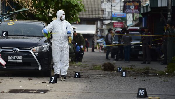 Полицейский на месте взрыва в Хуахин
