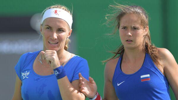 Светлана Кузнецова и Дарья Касаткина в матче 1/4 финала в парном разряде по теннису на XXXI летних Олимпийских играх