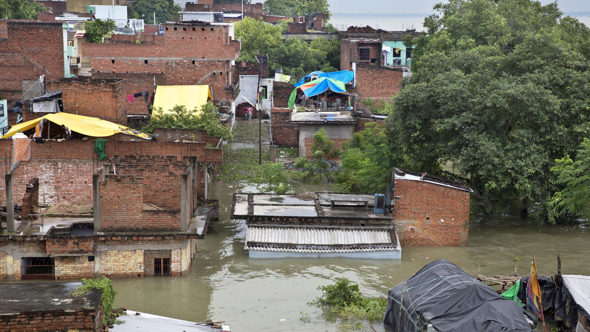 Затопленные дома в Аллахабаде, Индия - РИА Новости, 1920, 03.08.2021