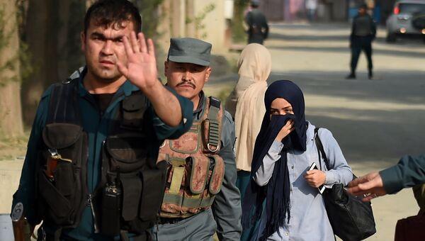 Полиция на месте взрыва у американского университета в Кабуле