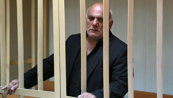 Бизнесмен Арам Петросян, обвиняемый в захвате заложников, в Пресненском суде Москвы