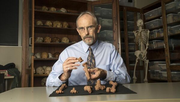 Профессор Джон Каппельман в лаборатории