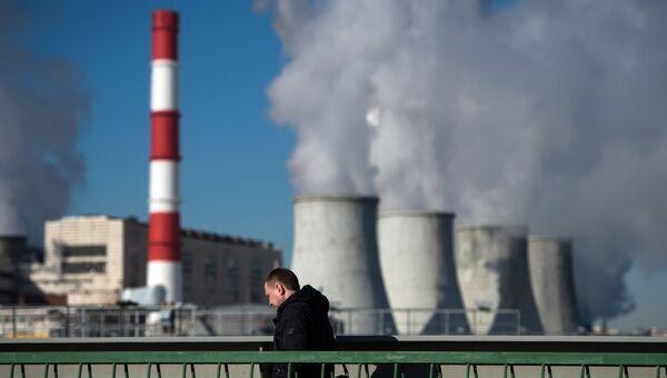 Вид на ТЭЦ в Москве. Архивное фото