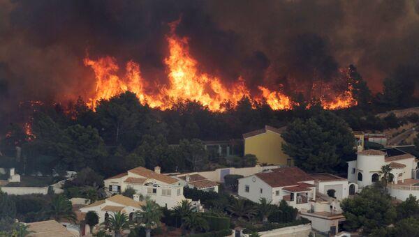 Лесной пожар в районе муниципалитета Бенитачель, провинция Аликанте, Испания. 5 сентября 2016