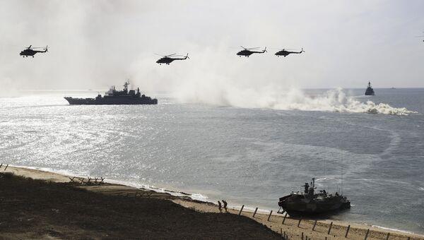 Военные учения российской армии на побережье Черного моря в Крыму. Архивное фото