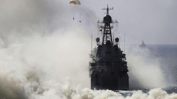 Военные учения российской армии на побережье Черного моря в Крыму