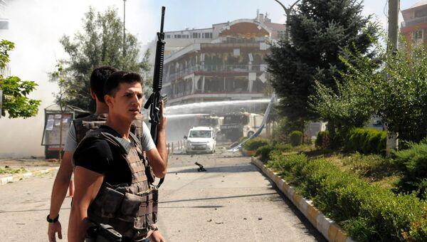 Место взрыва в городе Ван на востоке Турции