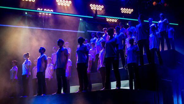 Выступление артистов на открытии новой сцены Московского театра под руководством Олега Табакова – Сцены на Сухаревской в Москве