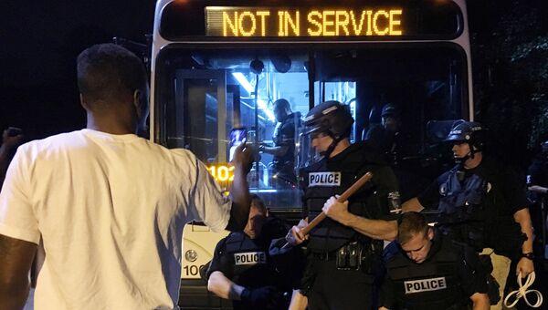 Акция протеста в Северной Каролине из-за убийства полицейским афроамериканца