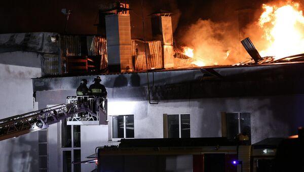 Ликвидация пожара на складе на востоке Москвы. 23 сентября 2016